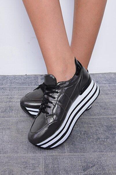 Mossta Kadın Siyah Kalın Taban Spor Ayakkabı
