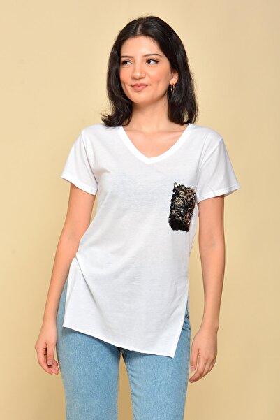 Mossta Kadın Beyaz Pul Cepli V Yaka T-shirt