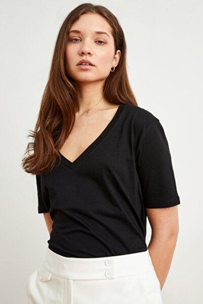 Love My Body Kadın Siyah V Yaka Kısa Kollu Tişört