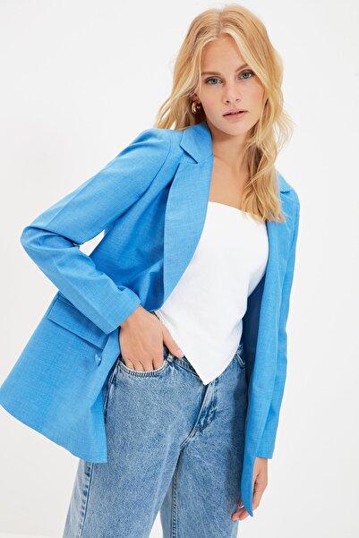 TRENDYOLMİLLA Mavi Düğme Detaylı Blazer Ceket TWOSS21CE0035