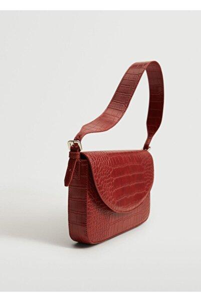 MANGO Woman Kadın Kırmızı Timsah Derisi Görünümlü Baguette Çanta