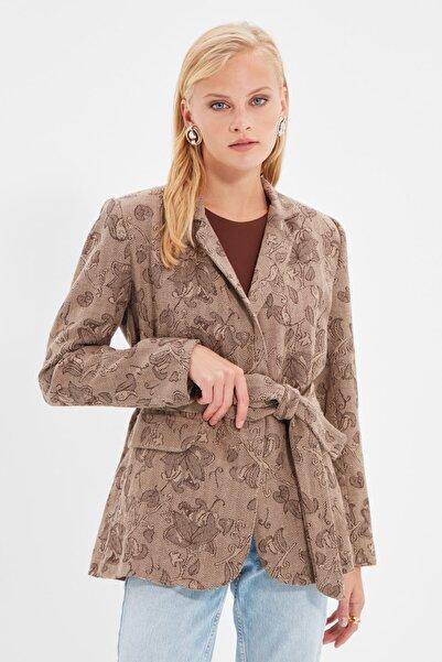 TRENDYOLMİLLA Vizon Bağlama Detaylı Blazer Ceket TWOAW22CE0199