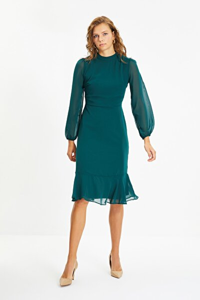 TRENDYOLMİLLA Yeşil Volanlı Elbise TWOAW20EL1313