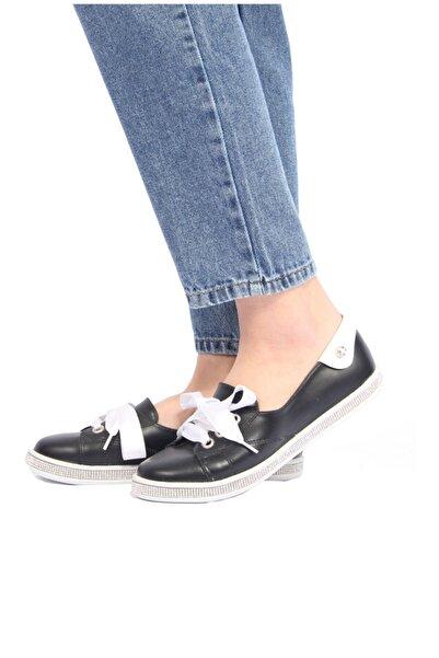 100% Turkish Design Kadın Siyah Kurdela Detaylı Ayakkabı