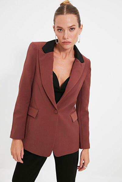 TRENDYOLMİLLA Kahverengi Cep Detaylı Blazer Ceket TWOAW20CE0185