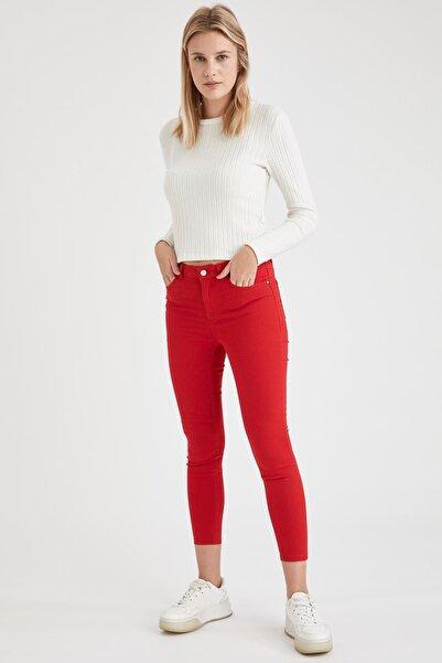 DeFacto Kadın Kırmızı Dokuma Pantolon L5558AZ.19HS.RD51