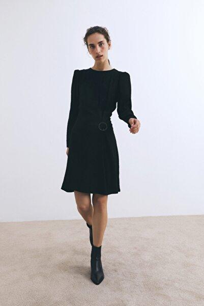 W Collection Siyah Jakarlı Metal Tokalı Elbise