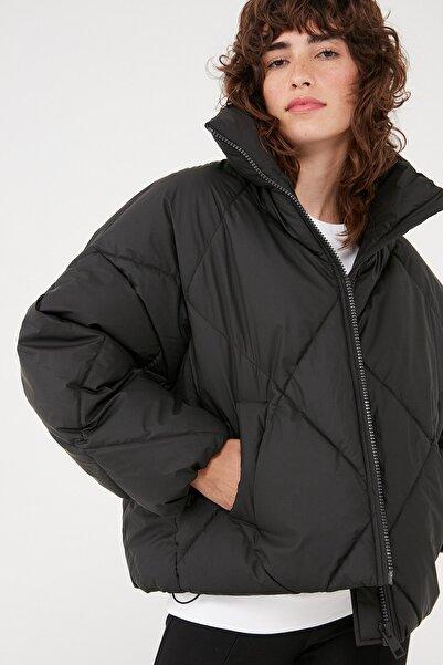 Mavi Kadın Dik Yaka Siyah Ceket 110802-900