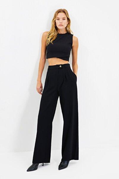 TRENDYOLMİLLA Siyah Geniş Paça Pantolon TWOAW22PL0263