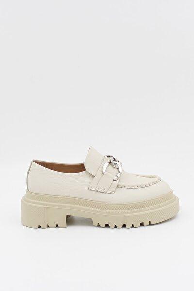 West To West Kadın Hakiki Deri Ekru Zincirli Kalın Kabanlı Loafer Ayakkabı