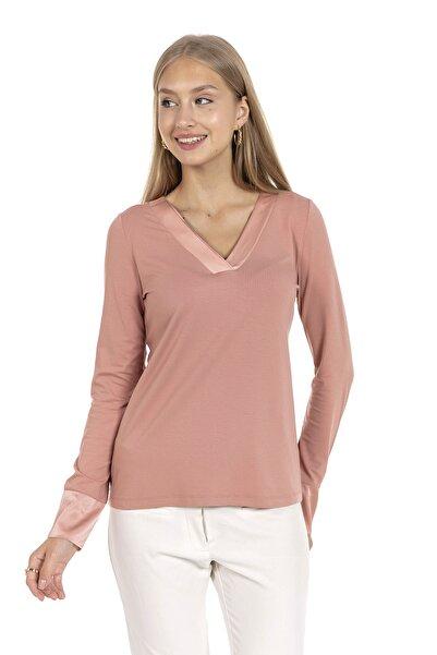 GİA&CI Kadın Pembe Renk Saten Parlak Yaka Detaylı Uzun Kollu T-shirt