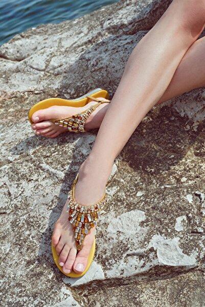 Derimod Kadın Taş Detaylı Renkli Sandalet