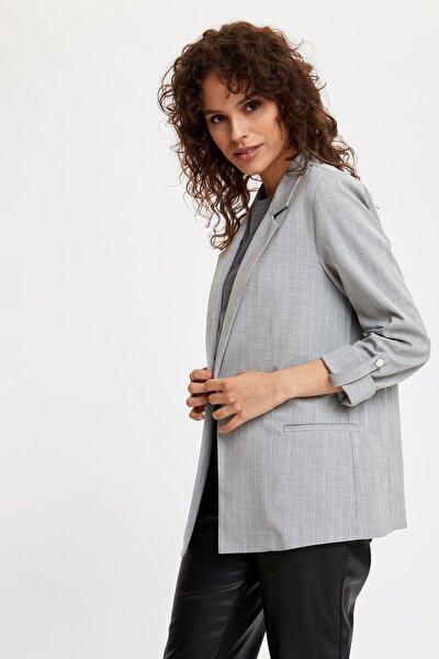 DeFacto Kadın Gri Katlamalı Kol Blazer Ceket N5050AZ.20SP.GR138