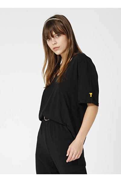 Fabrika Talita Beyaz V Yaka Kadın T-shirt