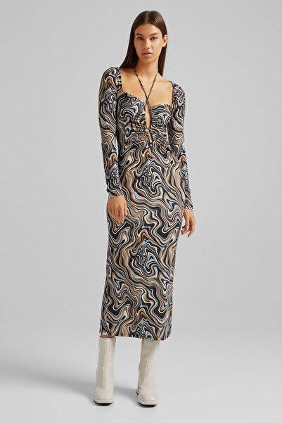 Bershka Kadın Mavi Yakası Büzgülü Ve Desenli Uzun Kollu Midi Elbise