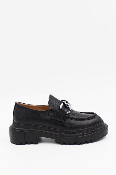 West To West Kadın Hakiki Deri Siyah Zincirli Kalın Kabanlı Loafer Ayakkabı