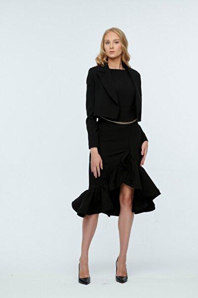 JEANNE DARC Siyah Beli Zincirli Detaylı Eteği Volanlı Ceketli Elbise Je96851