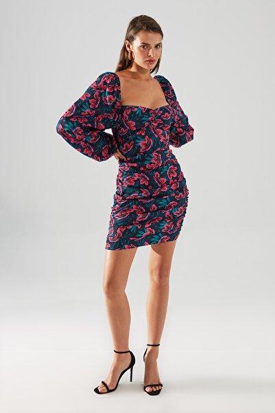 TRENDYOLMİLLA Çok Renkli Çiçekli Elbise TPRAW22EL1227