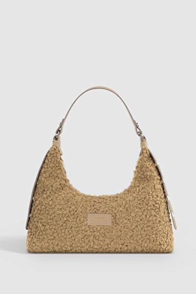 Housebags Kadın Vizon Suni Kürklü Dokuma Baguette Çanta 205