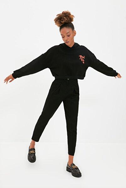 TRENDYOLMİLLA Siyah Şeritli Pantolon TWOAW22PL0342