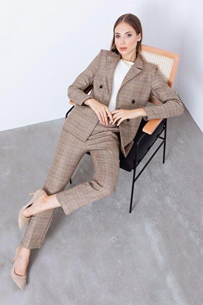 Lafaba Kadın Bej Kemerli Ekose Desenli Ceket