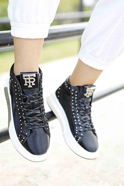 Guja Taş Detaylı Bağcıklı Siyah Kadın Spor Ayakkabı