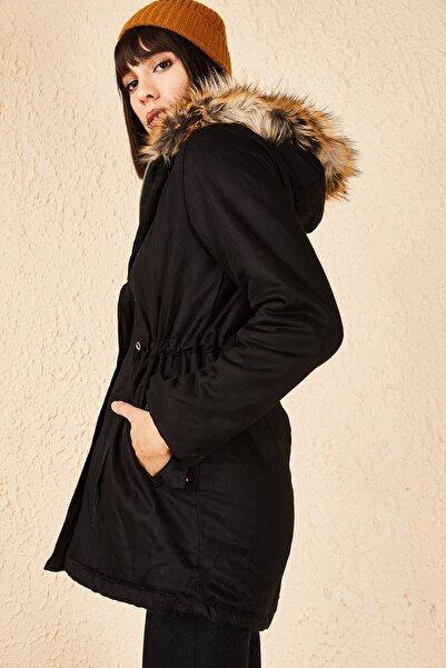 Bianco Lucci Kadın Siyah Kapüşonu Peluşlu Mont 10171029