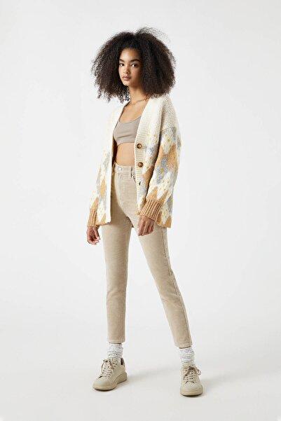 Pull & Bear Kadın Taş Rengi Fitilli Kadife Slim Fit Pantolon 09672325
