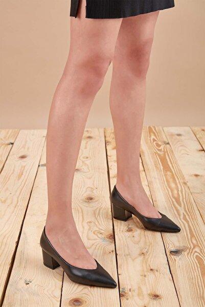 Louis Cardy Kadın Siyah Martha Hakiki Deri Klasik Topuklu Ayakkabı