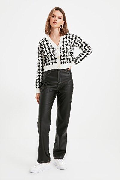 TRENDYOLMİLLA Siyah Suni Deri Pantolon TWOAW22PL0214
