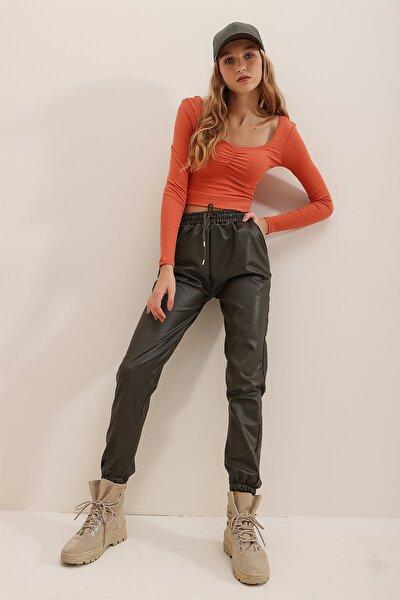 Trend Alaçatı Stili Kadın Haki Çift Cepli Bel Ve Bilek Lastikli İçi Şardonlu Casual Suni Deri Pantolon ALC-X7329
