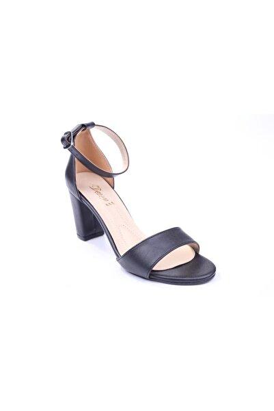Daisy 1063 Kadın 7,5 Cm Kalın Topuk Tek Bant Sandalet