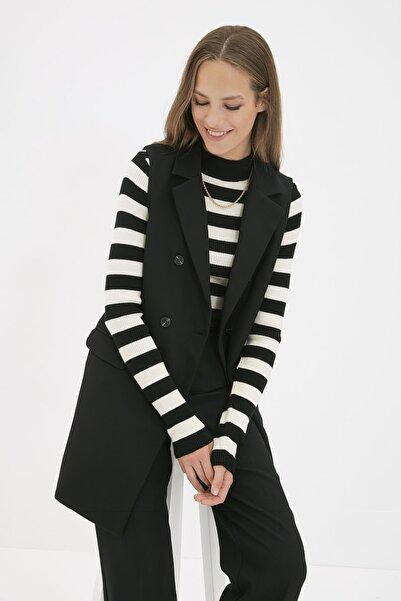 Trendyol Modest Siyah Ceket Yaka Yelek TCTAW22YL0010