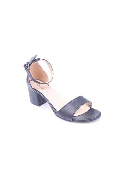 Daisy 961 Kadın 5,5 Cm Kalın Topuk Tek Bant Sandalet