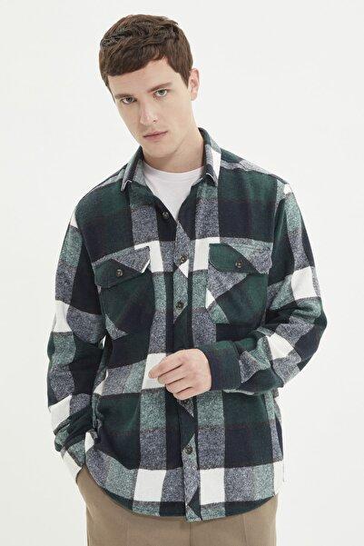 TRENDYOL MAN Yeşil Erkek Regular Fit Çift Cep Kapaklı Gömlek TMNAW21GO1166