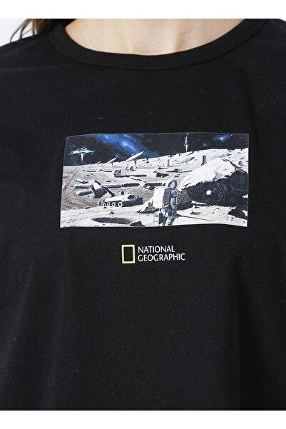 NATIONAL GEOGRAPHIC W-space Bisiklet Yaka Geniş Fit Baskılı Siyah Kadın T-shirt