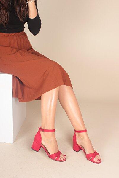 İnan Ayakkabı Kirmizi Süet Kadın Klasik Topuklu Ayakkabı INA563