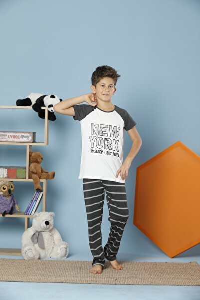 Erkek Çocuk Desenli Kısa Kollu Pamuklu Likralı Pijama Takım