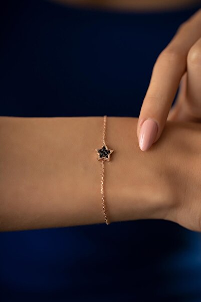 İzla Design Kadın Yıldız Model Siyah Zirkon Taşlı Rose Kaplama Gümüş Bileklik PKT-TLYSLVR0931