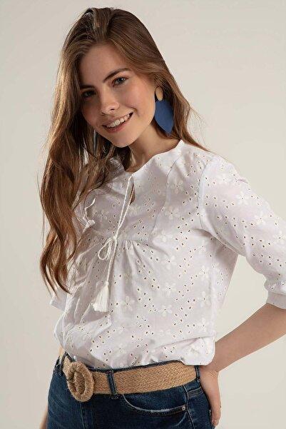 Y-London Kadın Beyaz Çiçek Baskılı Süs Bağcıklı Geniş Kollu Bluz Y20S110-0382