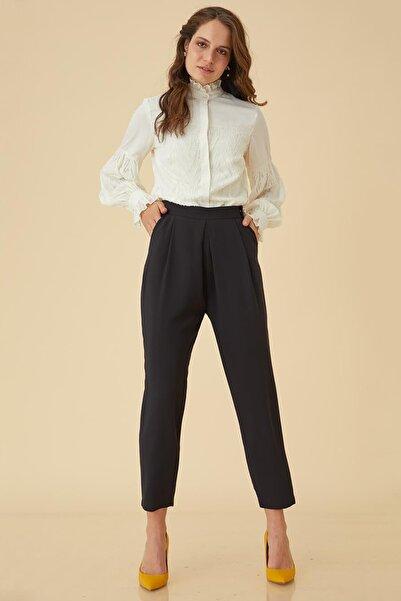 Kayra Kadın Pilikaşe Detaylı Pantolon Siyah B9 19100