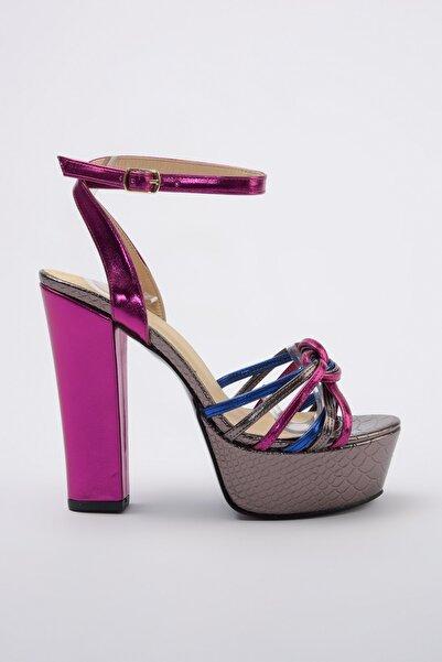 TRENDYOLMİLLA Çok Renkli Platformlu Metalik Kadın Klasik Topuklu Ayakkabı TAKSS20TO0250