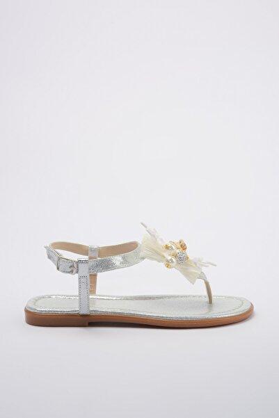 TRENDYOLMİLLA Gümüş Deniz Kabuklu ve İncili Kadın Sandalet TAKSS20SD0016
