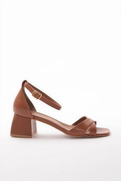 TRENDYOLMİLLA Taba Kadın Klasik Topuklu Ayakkabı TAKSS20TO0399