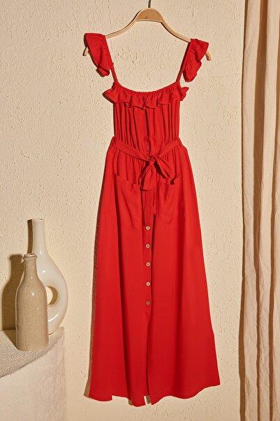 Kırmızı Kuşaklı Düğmeli Elbise TWOSS20EL1919