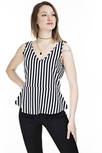 Kadın Lacivert Düğme Detaylı Çizgili Keten Karışımlı Kolsuz Bluz 10226439 VMHELENMILO