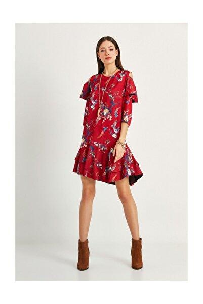 Say Bordo Omuzları Açık Eteği Volanlı Çiçekli Elbise
