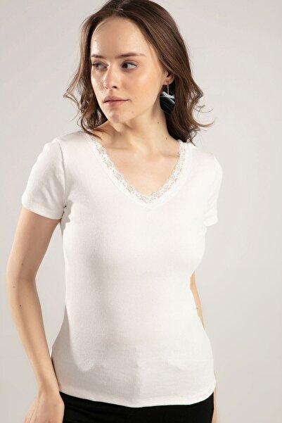 Y-London Kadın Beyaz V Yaka Dantel Detaylı Tişört Y20S134-1527