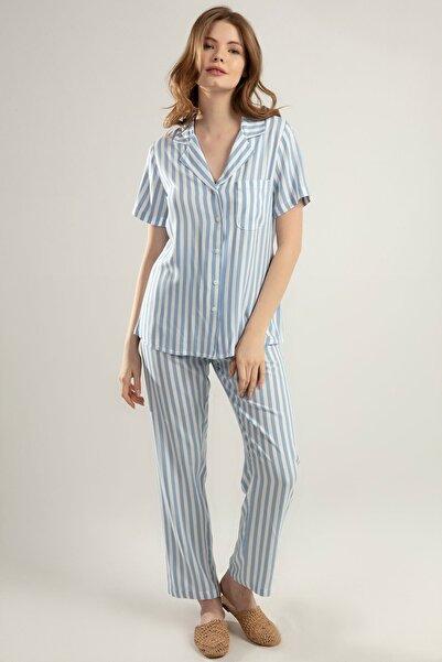 Kadın Açık Mavi Cepli Beli Lastikli Alt Üst Çizgili Pijama Takımı