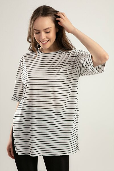 Y-London Kadın Beyaz Siyah Çizgili Duble Kol Yırtmaçlı Tişört Y20S110-0392